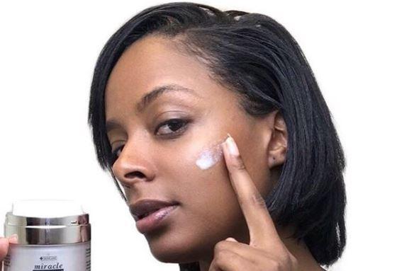 utilizar una crema antiarrugas