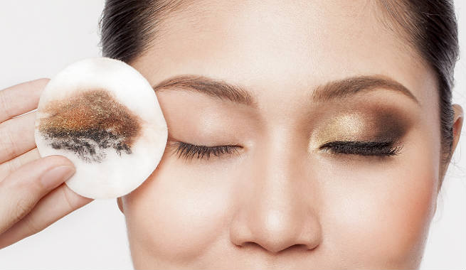 como usar desmaquillante ojos